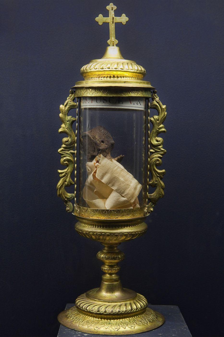 relikvijar-sv-foske